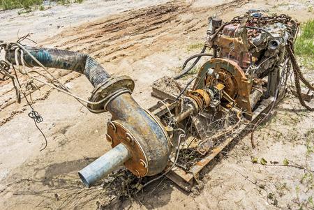 Oxidado viejo motor sin utilizar m�s historia.