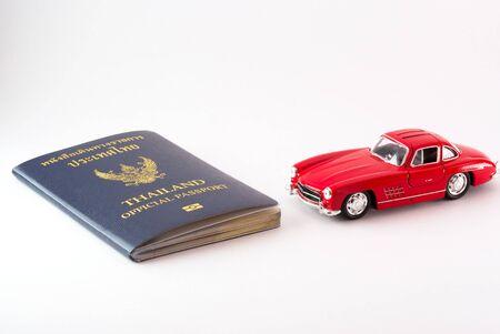 Un viaje Pasaporte de Tailandia con el modelo de coche.