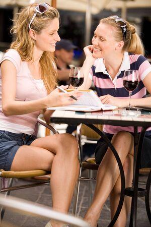alfresco: Girlfriends having lunch Stock Photo
