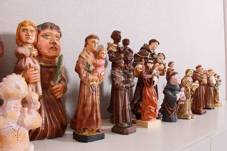 Saints sculptures