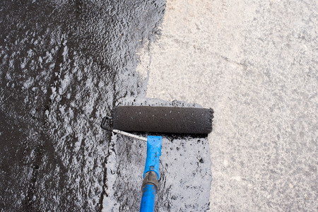 ローラー ブラシ。ワーカー地表面被覆、浮上、中に密着性を高めるアスファルト プライマー圧延工業用または家庭用のオブジェクトに分離のインス