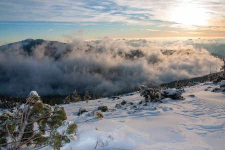 Amazing landscape in the winter mountains at sunrise 写真素材 - 121953358