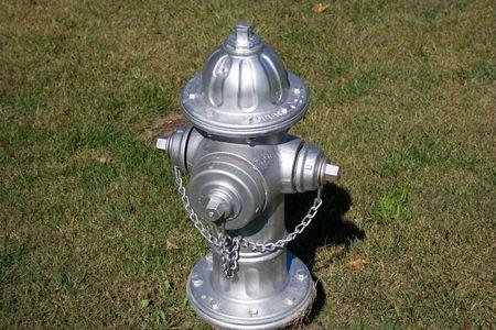 borne fontaine: Photo d'une bouche d'incendie d'Argent Banque d'images