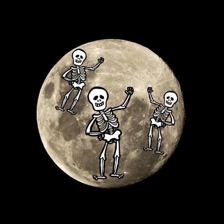hallowen: hallowen skeleton in the dark night is set against the silhouette of the moon Stock Photo