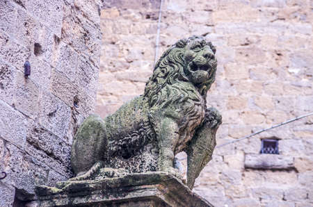 capital with stone lion, symbol and protector of the city Archivio Fotografico