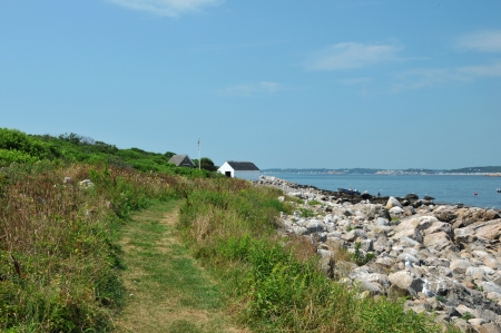 ma: Trail leading to the boathouse on Thacher Island in Rockport, MA