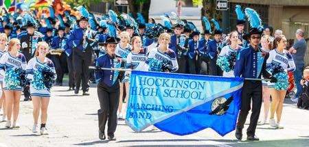 portland oregon: Portland, Oregon, USA - JUNE 7, 2014  Hockinson High School Marching Band in Grand floral parade through Portland downtown  Editorial