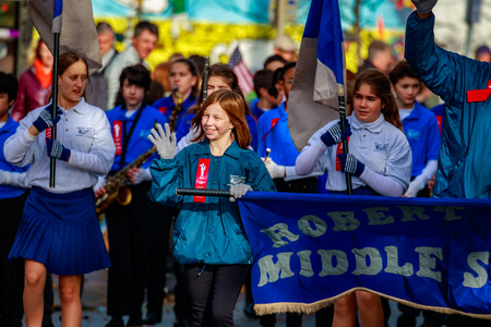robert: Portland, Oregon, USA - November 11, 2015: Robert Gray Middle School Marching Band in the annual Ross Hollywood Chapel Veterans Day Parade, in northeast Portland. Editorial