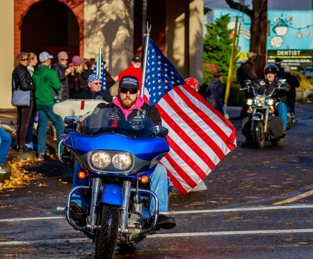 veterans day: Portland, Oregon, USA - November 11, 2015: Veterans march in the annual Ross Hollywood Chapel Veterans Day Parade, in northeast Portland. Editorial
