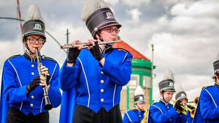 marching band: Portland, Oregon, USA - June 11, 2016: Hillsboro High School Marching Band in the Grand Floral Parade during Portland Rose Festival 2016. Editorial