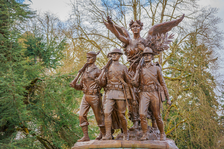 honors: Olympia, Washington, USA - March 24, 2016: The Winged Victory Monument in Olympia, Washington, honors those who served in World War I.