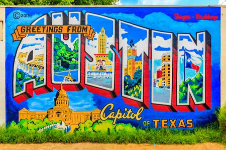 """Austin, Texas, de VS - 5 JUNI, 2016: """"Groeten van Austin - Capitool van Texas"""" prentbriefkaarmuurschildering, bij het Roadhouse-Overblijfselengebouw. Redactioneel"""