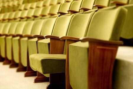 letras musicales: asientos vac�os teatro listo para un concierto de m�sica o de pel�culas