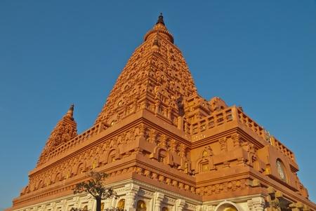 bodhgaya: wat pasiriwattanavisut , bodhgaya stupa in thailand