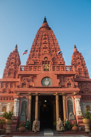 bodhgaya: pa siriwattana wisut temple in thailand, bodhgaya stupa