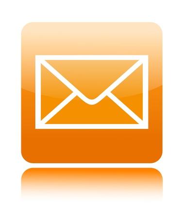 envelope with letter: Posta icona del pulsante su bianco Archivio Fotografico