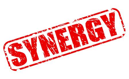 sinergia: Texto del sello rojo SYNERGY en blanco Foto de archivo