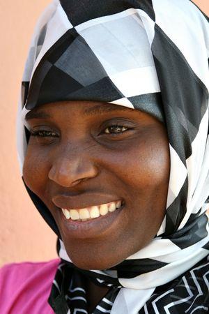 belle africaine femme musulmane avec un voile  Banque d'images - 661576