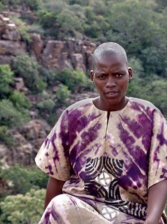 Retrato de mujer africana, la vestimenta tradicional  Foto de archivo - 757103