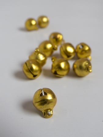 Golden tinkler bells