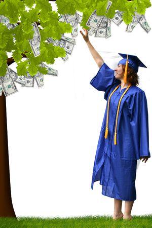 een dame komen tot pick geld uit een boom Stockfoto
