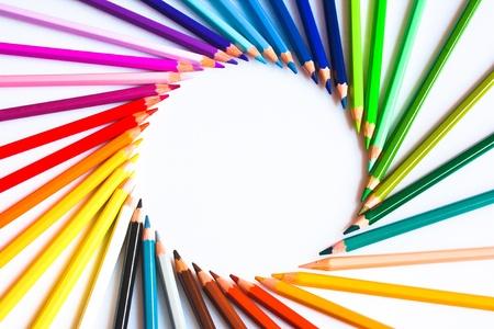 색깔의 연필