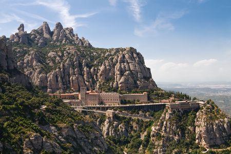 monasteri: Monastero di Montserrat � una spettacolare Abbazia benedettina alto nelle montagne vicino a Barcellona, Catalu�a.