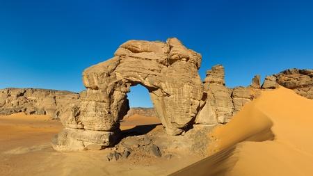 rock arch: Forzhaga Arch - Huge natural rock arch - Akakus (Acacus) Mountains, Sahara, Libya