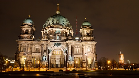 Berliner Dom (Berlin Cathedral) and Berliner Fernsehturm (TV Tower), at night, Berlin, Germany, Europe Stock Photo - 9828305