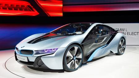 フランクフルト - 9 月 24: BMW i8 コンセプト車 2011 年 9 月 24 日に、ドイツのフランクフルトで 64 IAA モーター ショー (国際モーター ショー) で表示