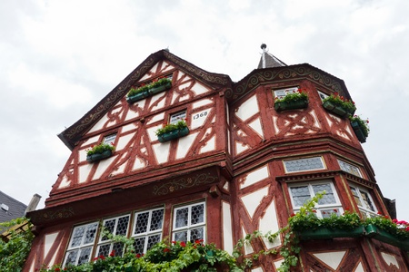 fachwerk: The Altes Haus (Old House), is a medieval half-timbered house bulit in 1368 in the town of Bacharach along the Rhine River in Germany.