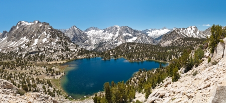 john muir wilderness: Alpine Lake Panorama, Sierra monta�as de Nevada, California, EE.UU. Foto de archivo