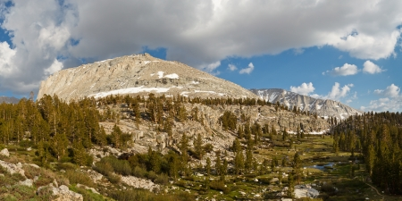 jmt: High Sierra Scenery - Green Mountain Meadows and Rugged Granite Peaks. California, USA