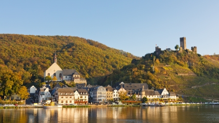 mosel: Moselle Scenery in Germany on a beautiful autumn day.