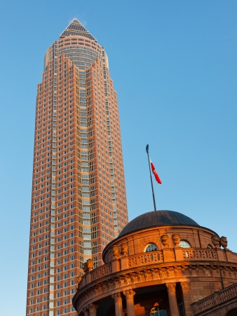 messe: Messeturm and Festhalle Frankfurt - The highest office tower in Germany is located at the Frankfurt Trade Fair.