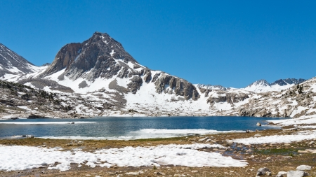 Alpine Lake Scenery in the Sierra Nevada near Muir Pass Stock Photo - 18024927