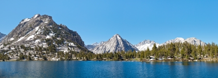 john muir trail: Kings Canyon National Park Alpine Lake Panorama, Sierra Nevada, California, USA.