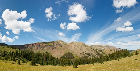 rocky mountains colorado: Dramatic Colorado Cloudscape in the Wilderness of the Rocky Mountains.