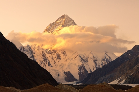 K2 の夕暮れ、2 番目、世界では、パキスタンのカラコルム山脈の最高峰