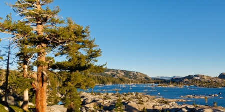 Lake Aloha in the Desolation Wilderness, Sierra Nevada, California, USA Stock Photo - 19580297
