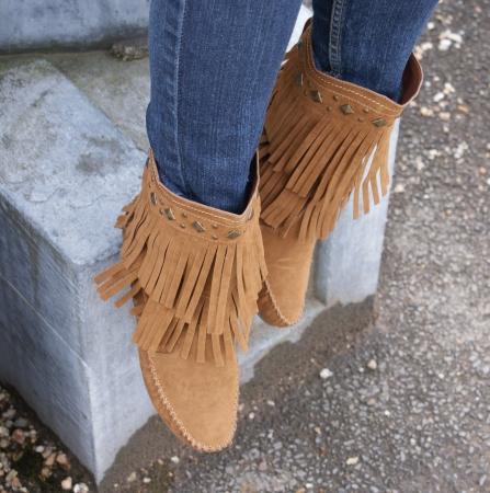 tassles: Cowboy Boot Feet - Female