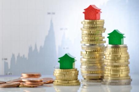 subprime mortgage crisis: Price variation on real estate market