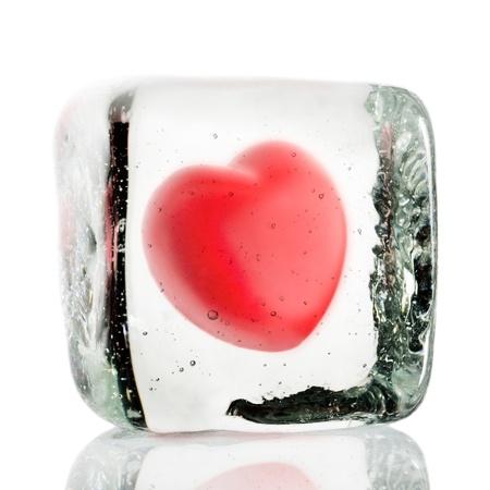 Cuore congelato in un blocco di ghiaccio Archivio Fotografico