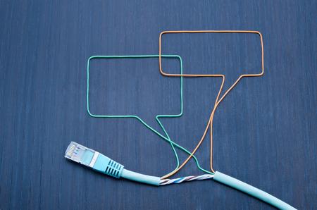 fibra �ptica: Las redes sociales. Burbujas Hablando hechas de cable