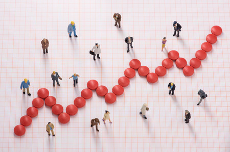薬によって作られたグラフ間で異なる人々 のための医療費