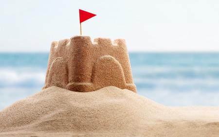 海辺の砂の城のホリデイ ・ コンセプト