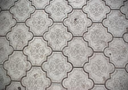 昔のセラミック床タイルのクローズ アップ