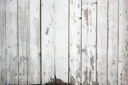 Der Hintergrund des weathered weiß lackiertem Holz Standard-Bild - 9442991