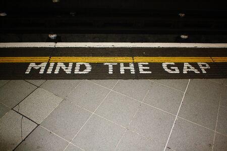 buchstaben: Mind the Gap