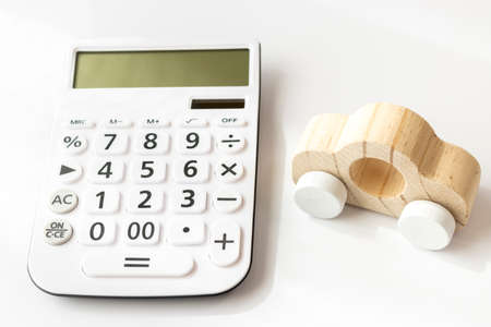 Car and calculator, cost image